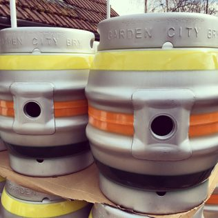 beer-kegs-500